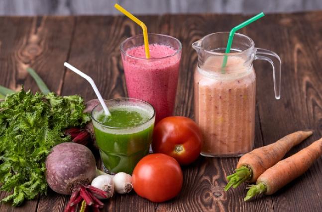 野菜ジュースと青汁で野菜不足解消!?