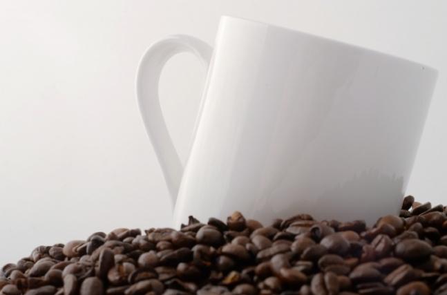 コーヒーがなぜダイエットとつながる?