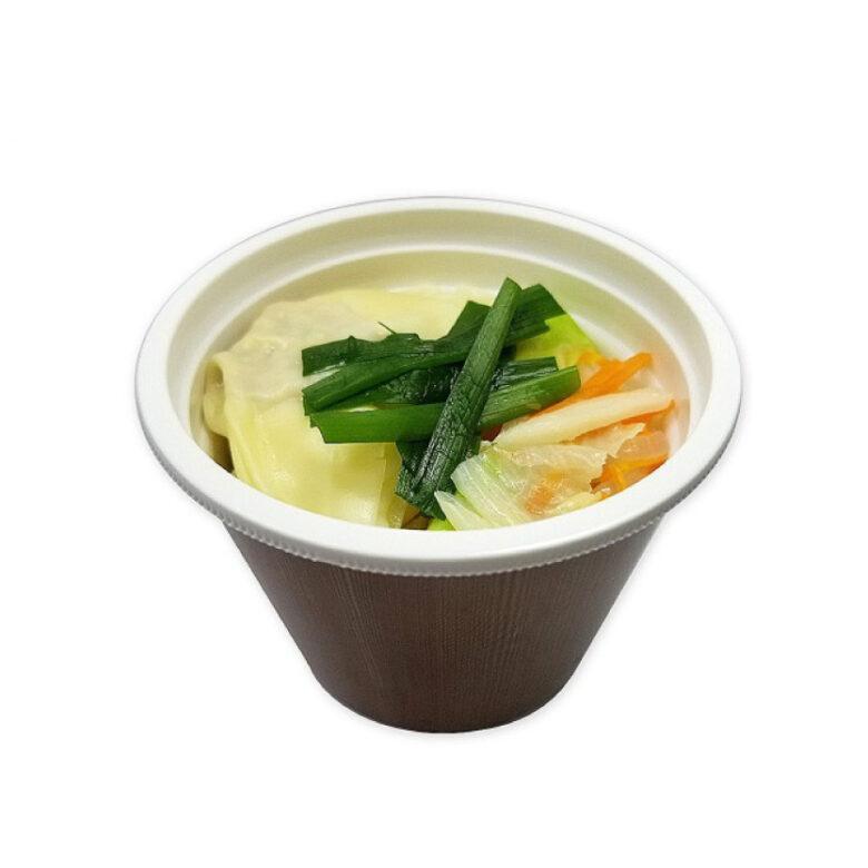 野菜と一緒に ワンタンスープ